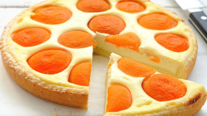 Несказанно вкусный творожный пирог с консервированными абрикосами
