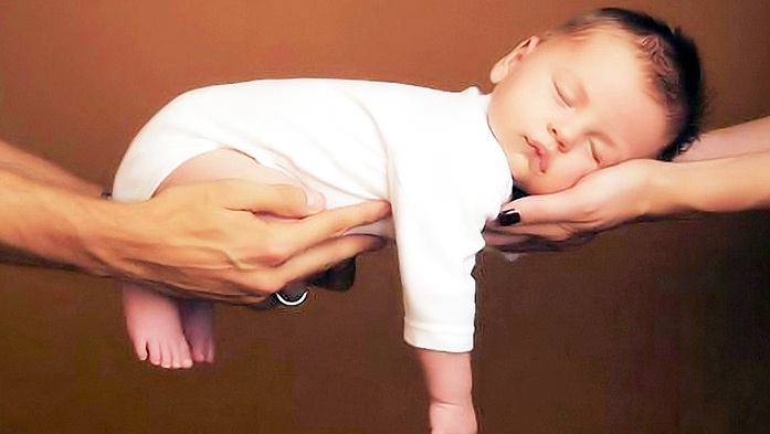 Заботливые родители не позволят ребенку поздно лечь спать! Ведь это очень опасно для него