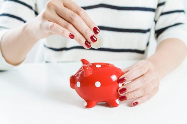 Чтобы не попасть в ловушку бедности, перестаньте откладывать деньги на черный день!