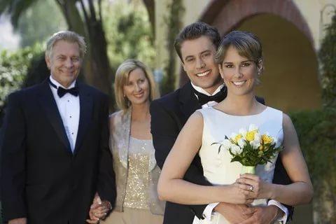 Как-то один молодой человек решил жениться... Мудрый поступок мудрого отца!