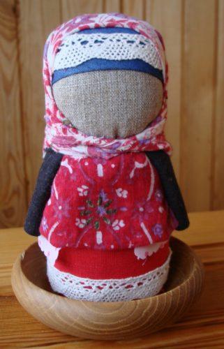 С этой куколкой в ваш дом придёт благополучие: делаем оберег своими руками!