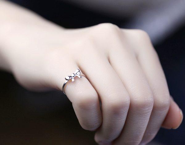 кольцо на мизинце картинка обмен квартиру
