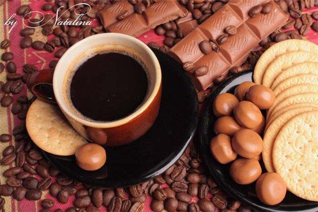 Что подавать с кофе - правила этикета!
