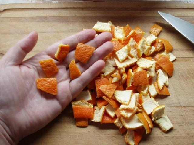 Не надо выбрасывать мандариновые корки! У них есть 18 полезных применений