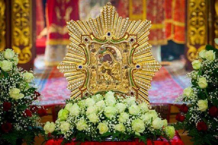 Почаевская икона Божией Матери — самая почитаемая верующими чудотворная святыня
