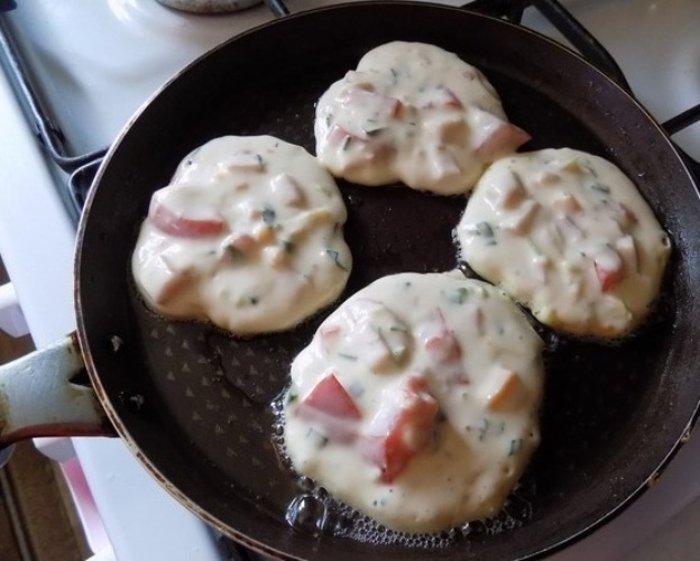 Завтрак-фурор: вкуснейшие оладьи со вкусом пиццы!