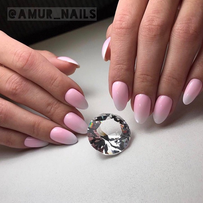 Прекрасный, удивительно женственный маникюр в нежно-розовом цвете