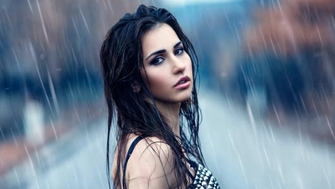 Вреден ли дождь для кожи, волос и одежды или опасность дождевой воды преувеличена?