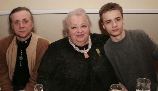 Единственному сыну Натальи Крачковской 58 лет: кто его воспитывал и как сложилась его судьба