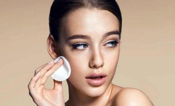 6 досадных ошибок макияжа, которые вредят нашей коже