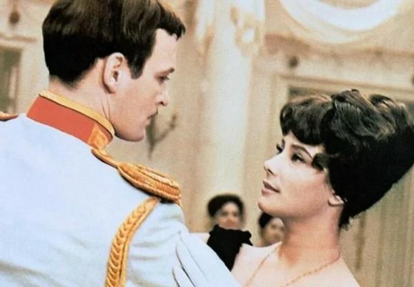 «Прожил счастливую жизнь, несмотря на испытания»: великий актёр, сильный мужчина и достойный человек Василий Лановой